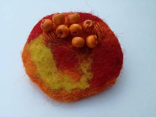 Oranžová plstená brošňa