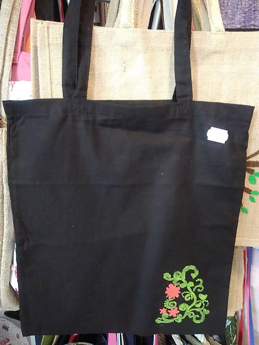 b43d7bcd6 Plátená nákupná taška s handmade aplikáciou kvietky / rifloviny ...