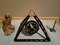Hodiny - kovové hodiny VEĽKÁ PYRAMÍDA - 9802781_