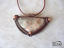 Náhrdelníky - Gadreyal - slnečný kameň, jadeit, wire wrapping - 9804650_