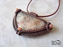 Náhrdelníky - Gadreyal - slnečný kameň, jadeit, wire wrapping - 9804652_