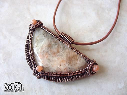 Gadreyal - slnečný kameň, jadeit, wire wrapping