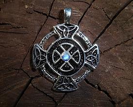 Náhrdelníky - celtic amulet and moonstone II - 9803994_