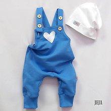 Detské oblečenie - Modré tepláky na traky so srdiečkom - 9803480_