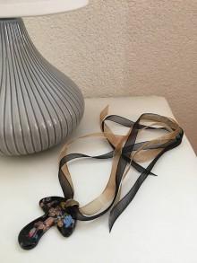 Náhrdelníky - Náhrdelník hríbik - 9807903_