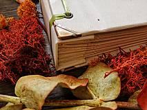 Papiernictvo - Fotoalbum klasický, papierový obal so štruktúrou plátna a ľubovoľnou potlačou (Fotoalbum klasický, papierový obal so štruktúrou plátna a  potlačou kvetinového venčeka) - 9807232_