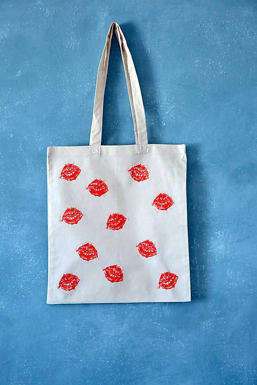 taška, pusinky, maľba - akcia