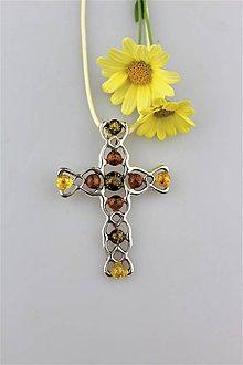 Náhrdelníky - veľký prívesok jantár krížik (v striebre) - 9809687_