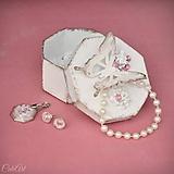 Sady šperkov - Motýľ a rosa - sada prívesku a náušníc v darčekovej krabičke - 9810529_