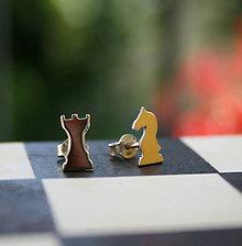 Náušnice - Šachové figúrky Ag925 náušnice - 9810758_