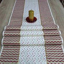 Úžitkový textil - Zlato červený chevron a bodky na smotanovej - vianočný stredový obrus 170x40 - 9810782_