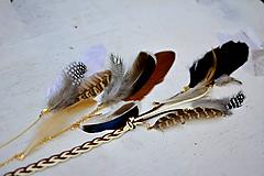 Ozdoby do vlasov - Hippie prírodný hair clip s perím - 9813601_