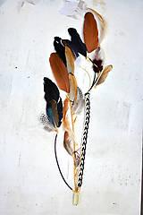 Ozdoby do vlasov - Hippie prírodný hair clip s perím - 9813629_