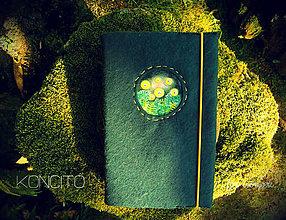 Papiernictvo - Kožuch/obal na knihu: s v ä t o j á n s k e  m u š k y (smaragdová zelená) - 9817723_