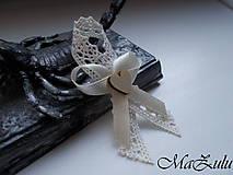 - svadobné pierka