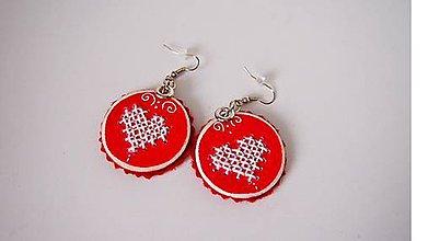 Náušnice - Náušničky červené s vyšívanými srdiečkami FOLK - 9817319_