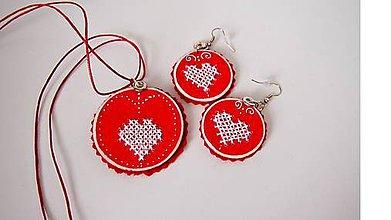 Iné šperky - Set červený s vyšivaným srdiečkom FOLK - 9817344_
