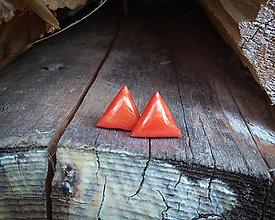 Náušnice - Trojuholníčky 10 mm (oranžové) - 9817388_