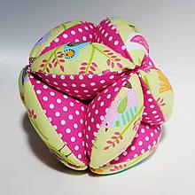 Hračky - Úchopová Montessori loptička Vtáčiky a kvietky - 9816275_