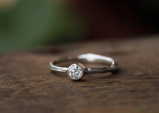 Prstene - Vetvičkový zlatý s diamantom II - 9815389_