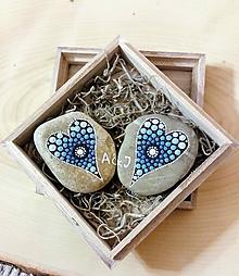 Drobnosti - Darované srdiečka - Na kameni maľované - 9815818_