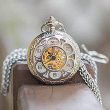 Doplnky - Mechanické vreckové hodinky s krúžkovanou reťazou (36) - 9818414_