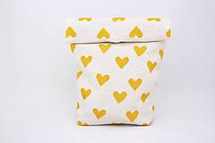 Úžitkový textil - Ušimi desiatové vrecúško so srdiečkami - 9819169_
