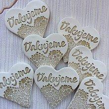 Darčeky pre svadobčanov - Keramické srdiečka s poďakovaním - 9818139_