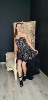 Šaty - Spoločenské šaty high-low z krajky rôzne farby - 9821208_