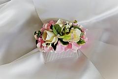 Kvetinový hrebienok ružový