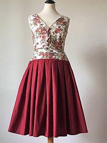 Sukne - bordová sukňa s malými kvietkami na páse - 9824818_