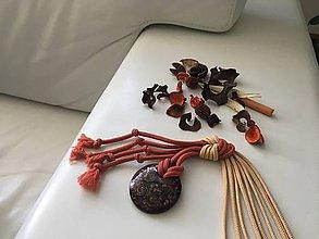 Náhrdelníky - Uzlový náhrdelník s donutom - 9824164_