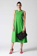Šaty - Zelené midi šaty s farebnou výšivkou - 9826672_