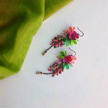 Náušnice - trsy ružovo zelené - 9827712_