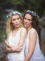 Ozdoby do vlasov - Lúčny kvetinový venček modrenka (modelka blondínka) - 9832253_