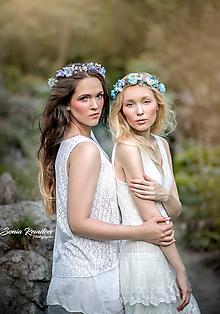 Ozdoby do vlasov - Lúčny kvetinový venček modrenka (modelka blondínka) - 9832184_