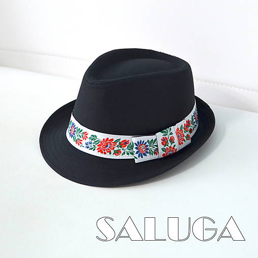 70927625a Folklórny klobúk - čierny - ľudový - biela folklórna stuha / SALUGA ...