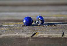 Lapis Lazuli na oceli
