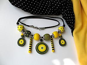 Náhrdelníky - ,,Náhrdelník-žlté pásiky,, - 9837987_