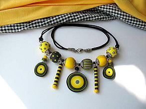 Náhrdelníky - ,,Náhrdelník-žlté pásiky,, - 9838590_