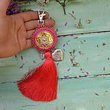 Kľúčenky - Coral Mandala - vyšívaný střapec na kabelku - 9837680_