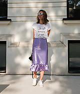 Sukne - Saténová midi sukňa s volánom - 9838458_