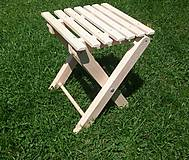 Drevená skladacia stolička