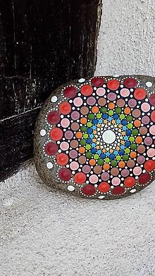 Dekorácie - Červené krúženie - Na kameni maľované - 9840892_