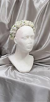 Ozdoby do vlasov - Biela kvetinová svadobná čelenka - 9839960_