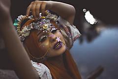 Ozdoby do vlasov - Koruna posadená na hrebienkoch z kolekcie Mermaid dream - 9838786_