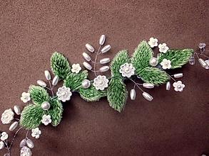 Ozdoby do vlasov - svadobný čipkový venček do vlasov - Ivory + zelený - 9842091_