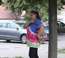 Tričká - Batikované ručne maľované tričko - 9842232_