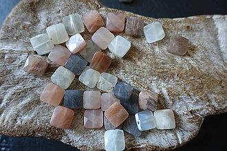 Minerály - Mesačný kameň fazetovaný k. 10x10 - 9842131_