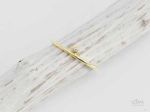 Prstene - 585/1000 zlatý zásnubný prsteň s prírodným diamantom (žlté zlato) - 9846455_